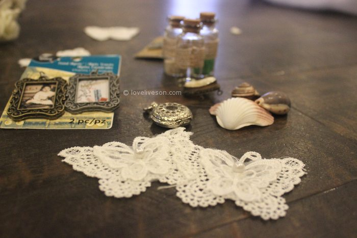 Memory Wreath: Adding Keepsakes
