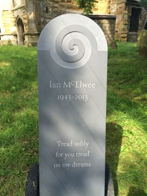 Headstone Design in Slate with Circular Carving